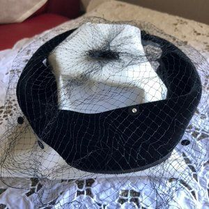 "Vintage ""Union Made"" Velvet Circle Hat w/ Face Net"